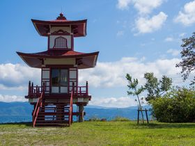 洞爺湖八景の観光スポット!二重の塔が建つ「浮見堂公園」