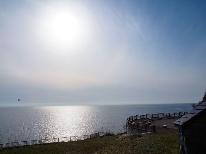 太陽に照らされる海を眺めて・・・