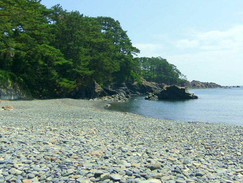 南三陸・大船渡の景勝地「碁石海岸」の呼称の元となった「碁石浜」