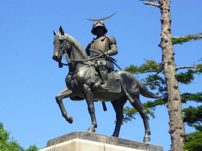 仙台のシンボル〜伊達政宗騎馬像!