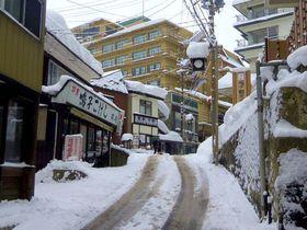冬こそ温泉!雪に覆われた宮城・鳴子温泉で温泉情緒を満喫