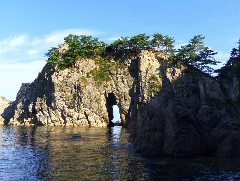 見どころは不思議な奇岩の数々