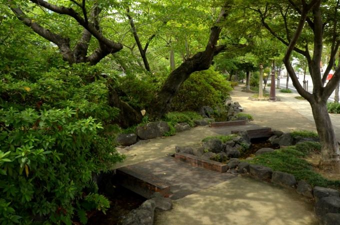 水辺の遊歩道「四季の路」