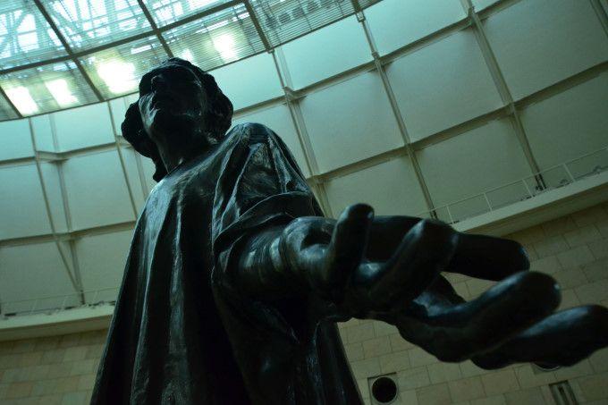 大いに語る力む肉体。苦悩に美を見る静岡県立美術館「ロダン館」