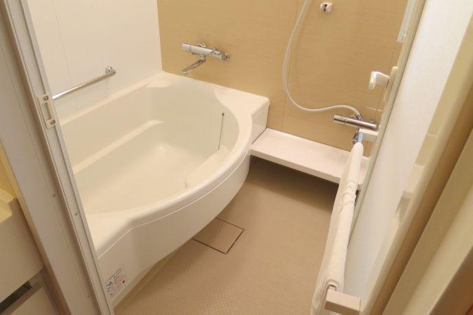 バス・トイレ別!広い洗い場付のお風呂でゆったり!