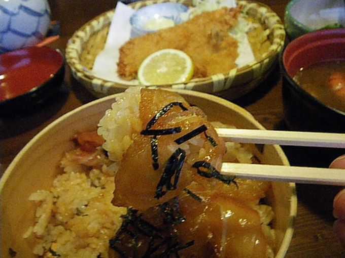おかげ横丁の『海老丸』で、名物てこね寿司を食する