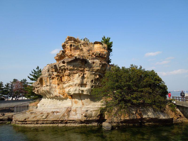 日本の始まりはココから!美しい岩肌の淡路島の絵島へGO!