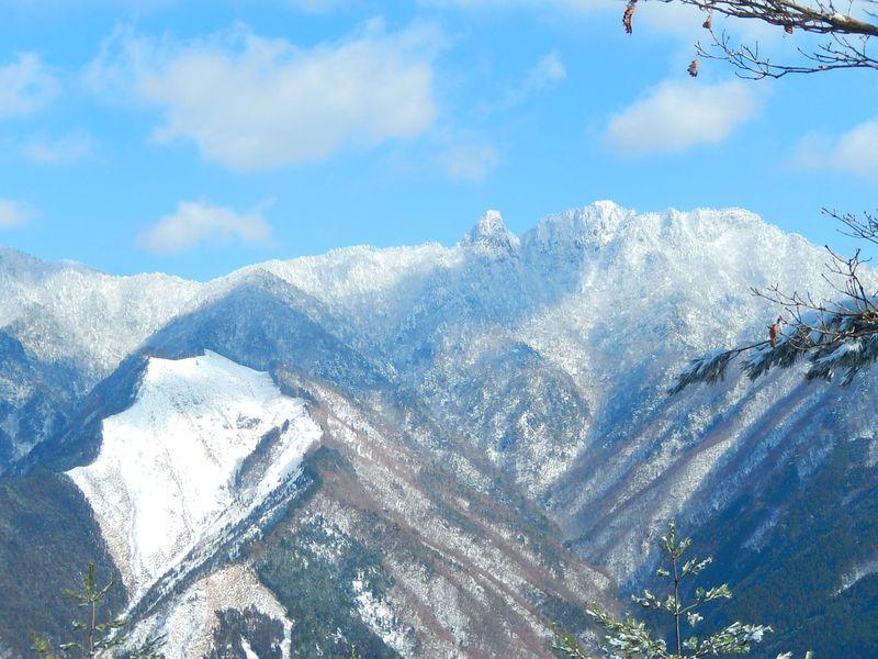 美し過ぎる!大展望の大峯山系「観音峰(奈良県)」霧氷登山