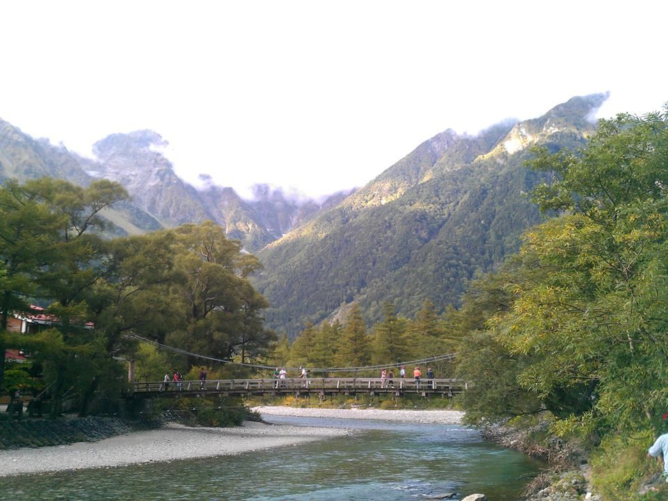 上高地一の絶景スポット「河童橋」