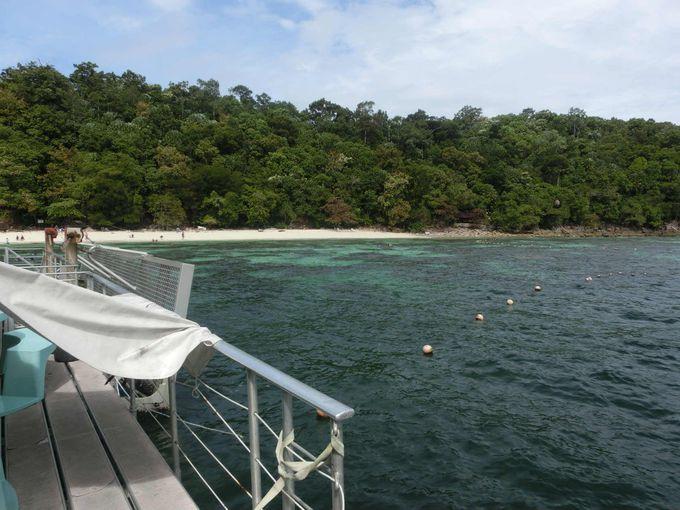 マレーシア西海岸の随一の透明度を誇る、パヤ島の海