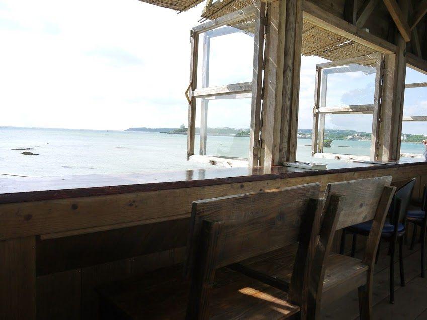 窓の先には美しい海が♪ほぼ全席が特等席!!