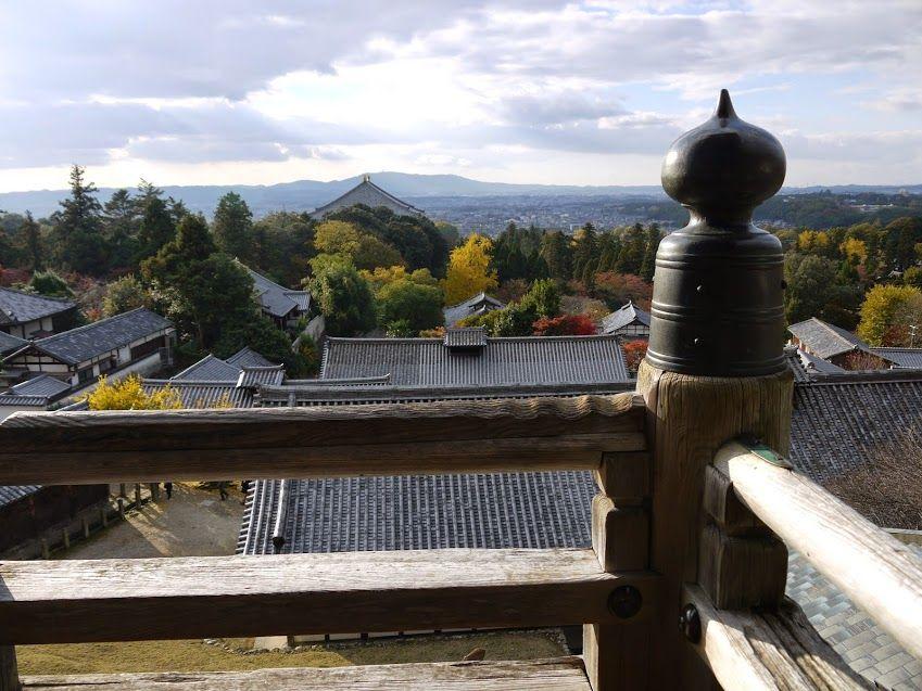 二月堂から奈良の景色を一望!!ここで夕暮れ待つのが最高の贅沢!