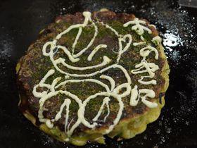 大阪・道頓堀でお好み焼きならマヨネーズアートの「おかる」が楽しい♪
