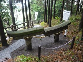 ひょえぇ〜、これが埋没鳥居!スゴ過ぎる桜島噴火の威力
