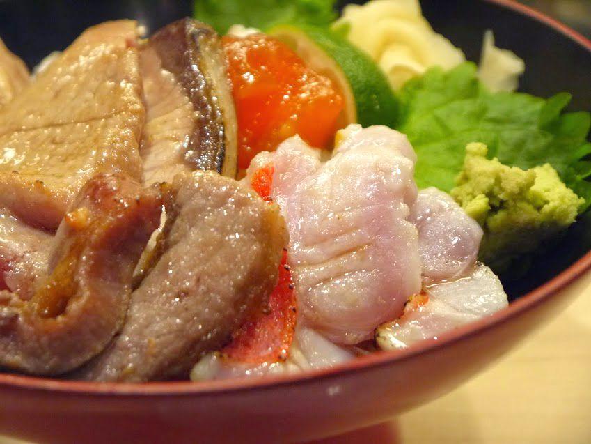 築地の究極グルメな海鮮丼!青空三代目『築地最強炙り丼』