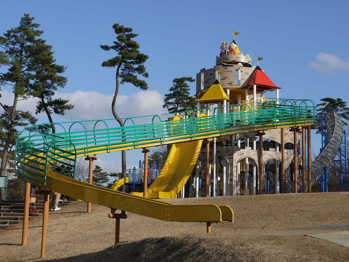 子供たちは「鳥取砂丘こどもの国」で思いっきり遊べ!
