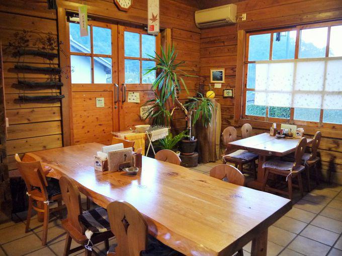 ホッと癒されるログハウス調のお店「備長の郷」