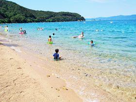 穴場の海水浴場まで徒歩2分!福井「やました旅館」で透明度抜群の海を堪能