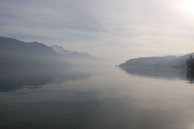 まずは、美しすぎるアヌシー湖を一望!