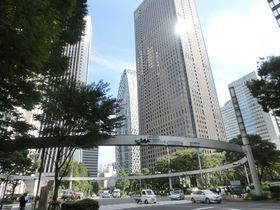 駅近で気軽に立ち寄れる!新宿の都心部で映画『君の名は。』の舞台を歩こう|東京都|トラベルjp<たびねす>