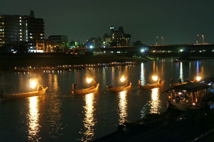 岐阜市の夏の風物詩といえば「長良川の鵜飼」