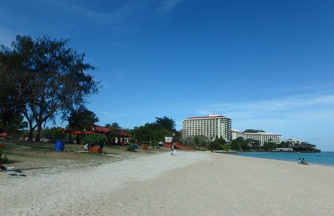 タモンの人気パブリックビーチ「イパオビーチパーク」