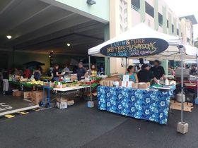 木曜夜は「カイルアファーマーズマーケット」で安ウマハワイグルメ三昧!