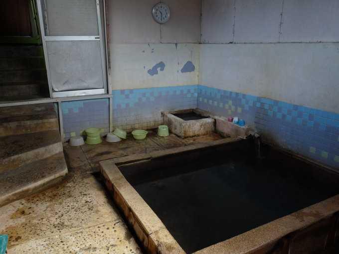 後世に残して欲しい半地下浴室