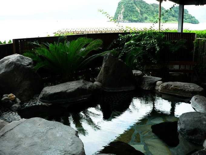 宿泊者専用の貸切湯は内湯と露天風呂