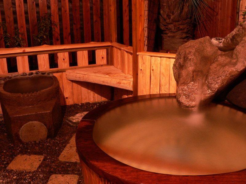 露天風呂と石風呂を即堪能!