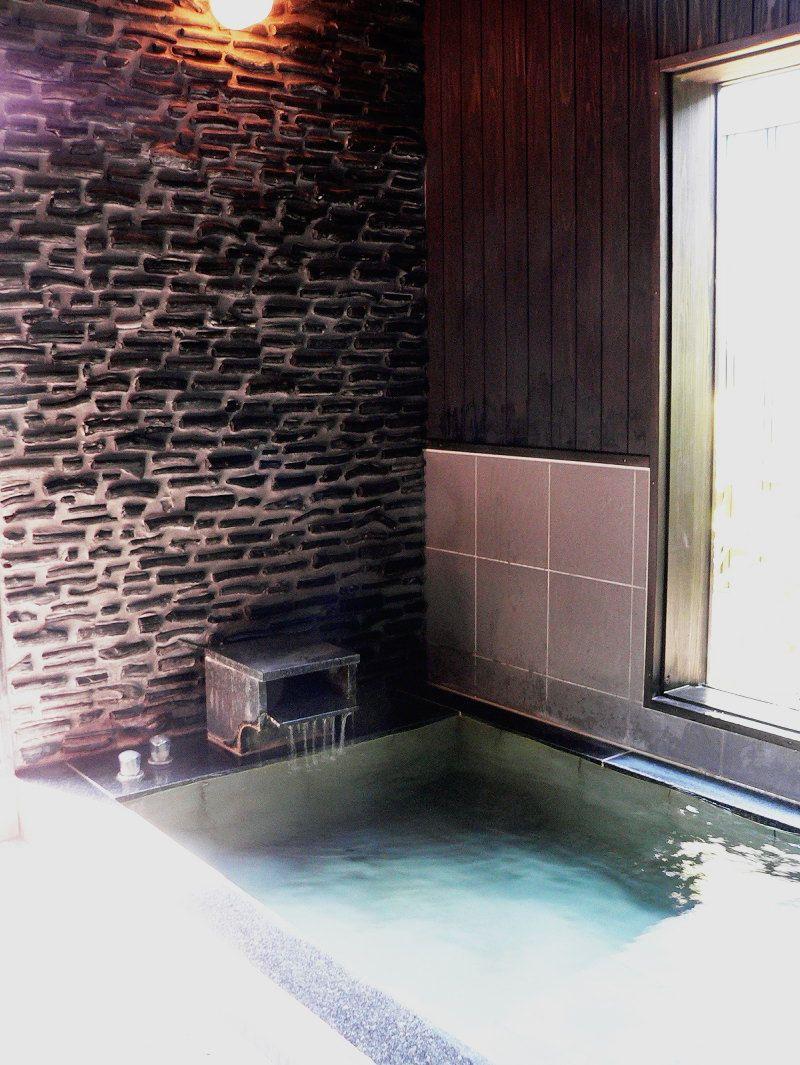霧島温泉で人気の家族湯「日本湯小屋物語」はイトヲカシ。