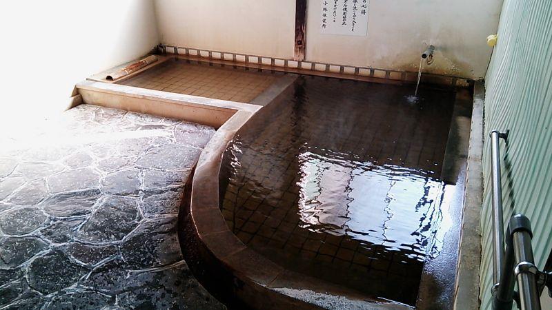 京町温泉郷1、2を争う激熱湯「湯ノ谷温泉」