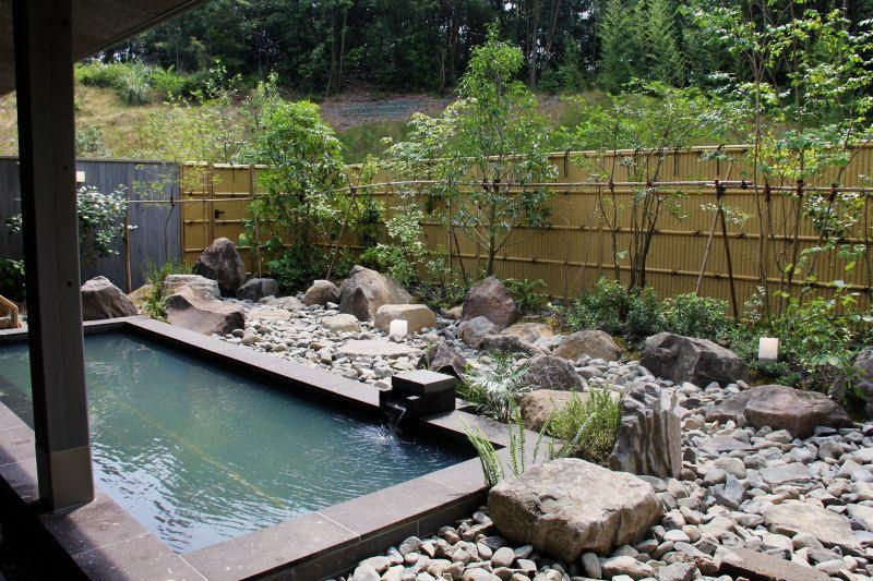 光のシャワーが降り注ぐ新温泉施設!鹿児島出水ひかりの郷