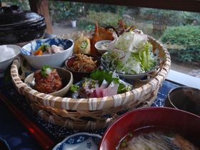 篤姫ゆかりの指宿おすすめ!古民家カフェでお昼ごはん「梅里」|鹿児島県|トラベルjp<たびねす>