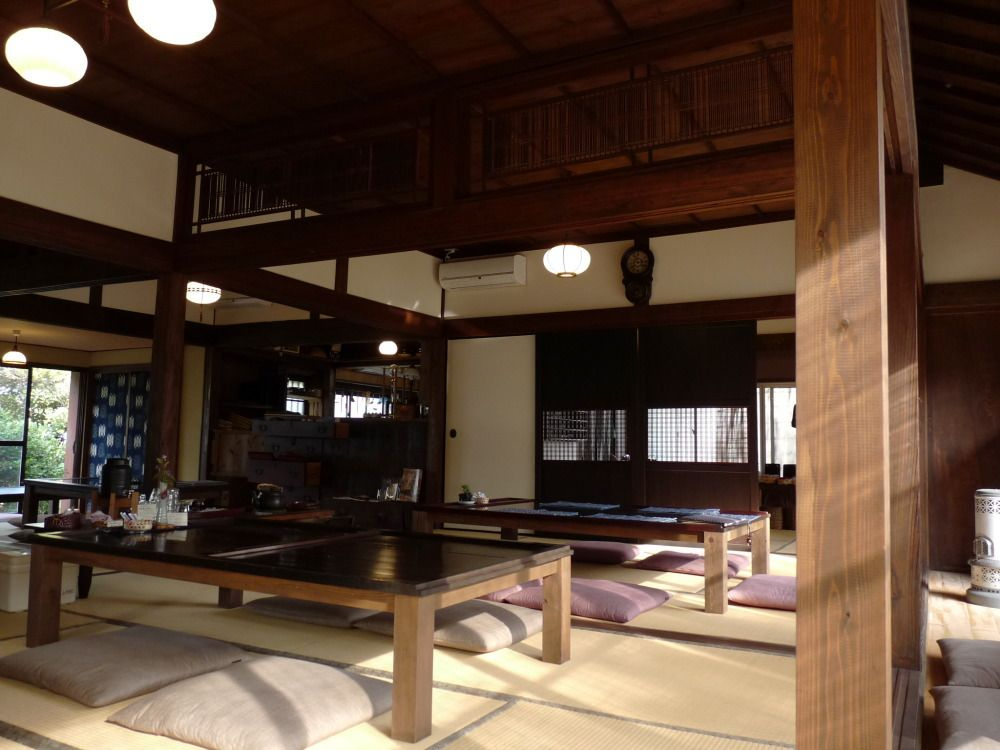 今和泉の町割(まちわり)の中にある古民家カフェ