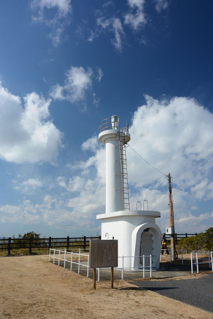 海の安全を守り続ける、白亜の飯岡灯台