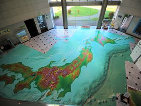 空中散歩気分で地図を学ぼう!つくば市「地図と測量の科学館」
