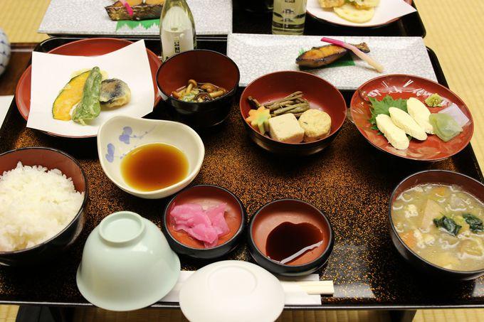 宿泊当日は「神楽の舞」!素朴な夕食はけんちん汁と御神水で炊かれたふっくら御飯