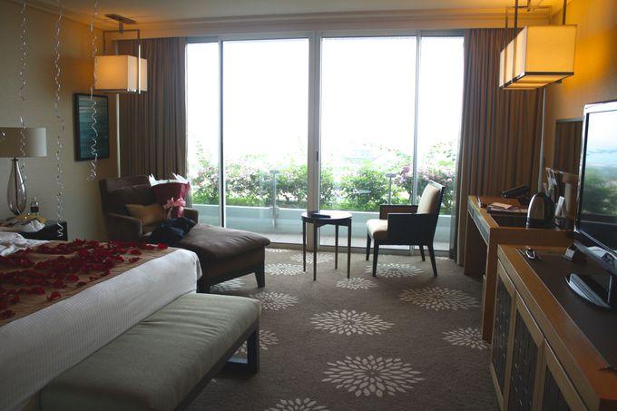 アーバンシティでもくつろげる、広々とした客室で休息。