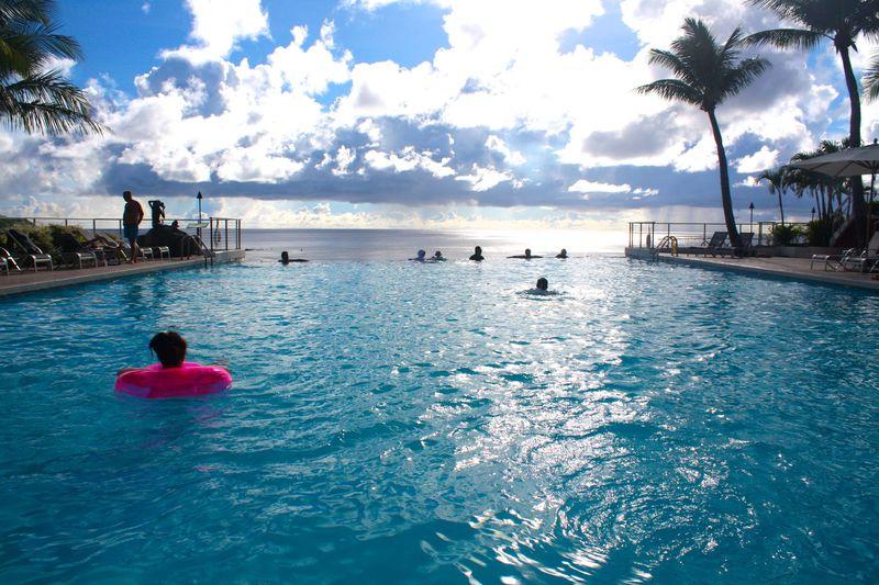 水平線が重なるプール!「グアム リーフ&オリーブ スパ リゾート」