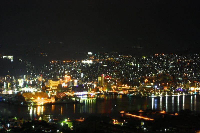 抜ける眺望!長崎の夜景が眩しすぎる「ルークプラザホテル」