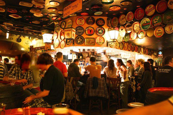 2004種類のビールが飲める「デリリウムカフェ」