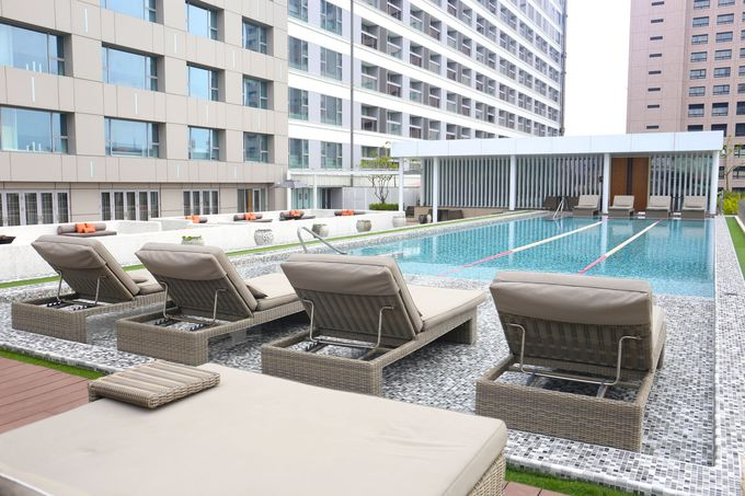 暑い台南では重宝するプールも