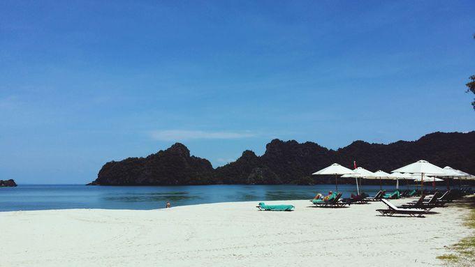 プライベートビーチで思い思いにスカイブルーの海を堪能♥