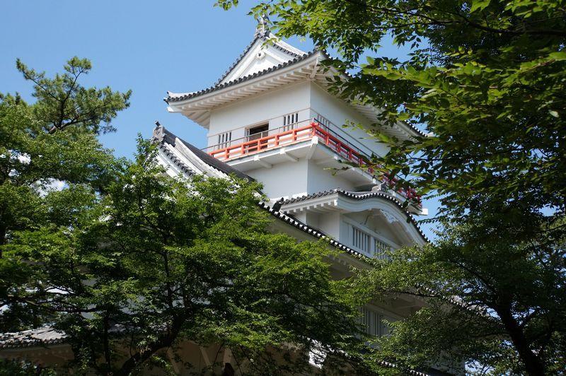 秋田タウンのシンボル 千秋公園の久保田城跡へ
