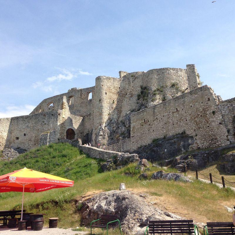 中欧最大級の城スピシュ城(スロヴァキア)で中世を思い馳せる