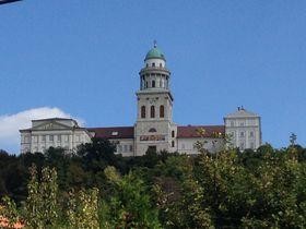 現代に生きる千年の歴史〜世界遺産「パンノンハルマ大修道院」(ハンガリー)