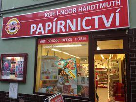 文具&雑貨ファンに大人気!チェコ老舗筆記具メーカー「コヒノール」直営店に行こう