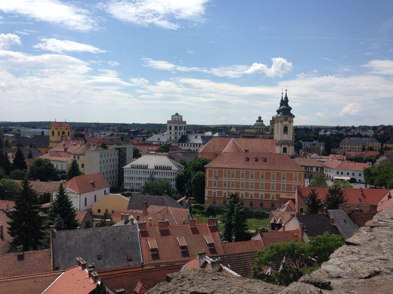 ワインもいいけど観光も!歴史と温泉が魅力のエゲル(ハンガリー北東)