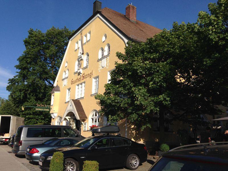 ミュンヘン至近で田舎ステイ!ホテル・スタングルは伝統的なガストホーフ